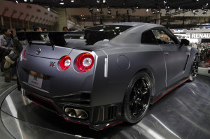 08_NISMO_GT-R_back_right3