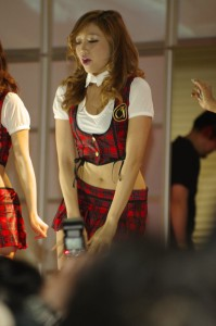CYBER_JAPAN_DANCERS_3811
