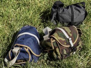Nikon_DOMKE_F-3X_3-Colors_on_grass